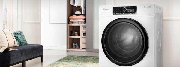 Modello di lavatrice silenziosa Linea Supreme Care di Whirlpool