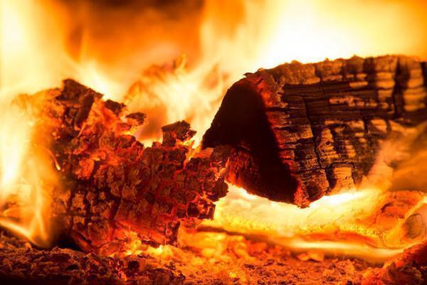 Legna per camini da ardere