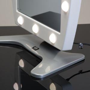 Specchio luminoso da trucco modello da tavolo di Cantoni