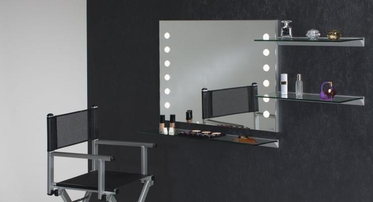 Specchiere e specchi trucco da parete con luci I-light  di Cantoni