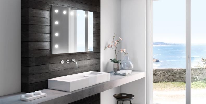 Specchio luminoso per il trucco di Cantoni