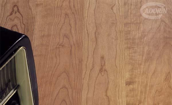 Ristrutturazione appartamento: posa in opera parquet ciliegio di Cadorin