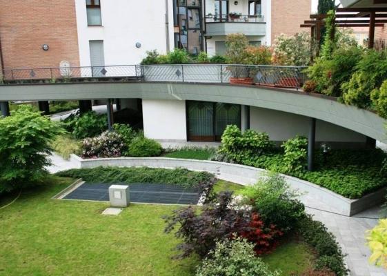 Giardini pensili multipiano realizzati da Daku
