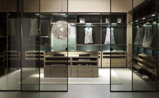 Stanza da letto con cabina armadio design casa creativa - Progettazione cabina armadio ...