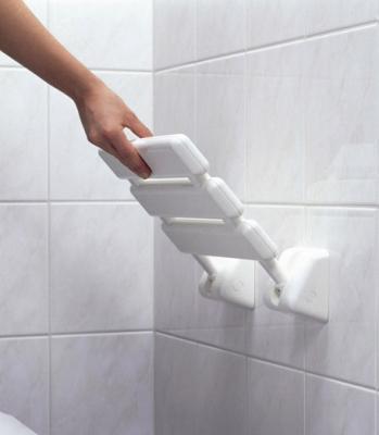 Ristrutturazione del bagno per nuove esigenze: sedili ribaltabili Provex