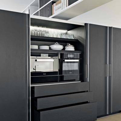 Cucina Tivalì, una soluzione a scomparsa per arredare un miniappartamento