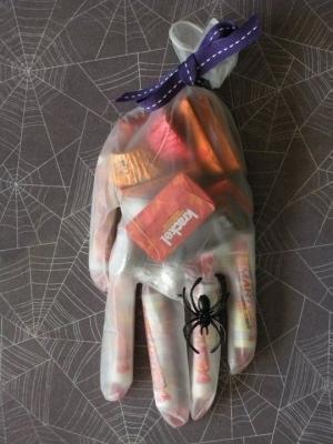 Confezionamento dolci per Halloween: progetto dal blog queenscardcastle.blogspot.it