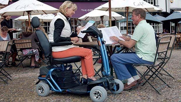 Scooter elettrici per anziani e disabili: tecnologia e movimento