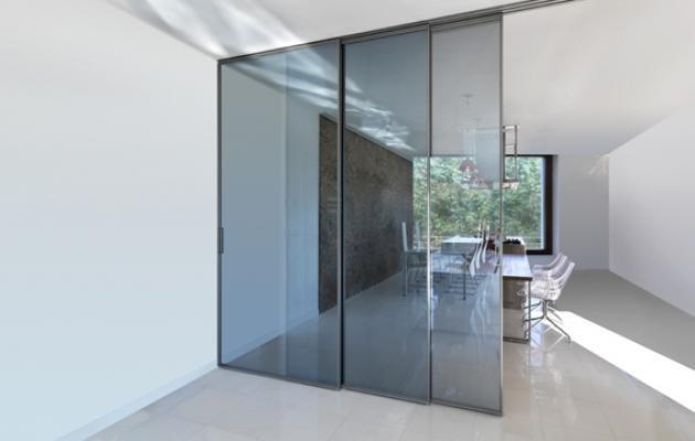 Divisione in appartamento, con vetrate complanari Rimadesio