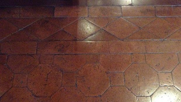 Proteggere e pulire i pavimenti in cotto