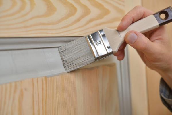Dipingere le porte interne fai da te