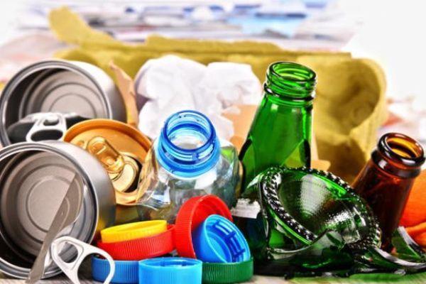 Suddividere i rifiuti da riciclare