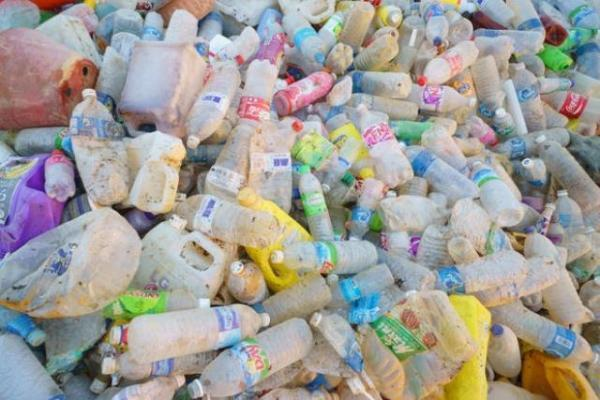 Plastica da riciclare, raccolta differenziata