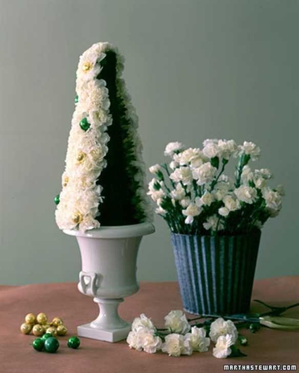 Centrotavola ad alberello di Natale fiorito di Martha Stewart