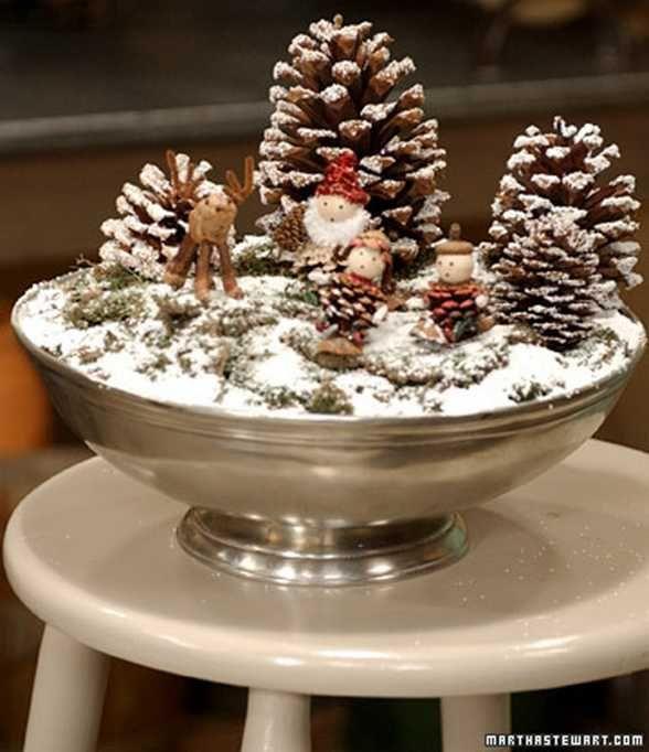 Centrotavola di Natale con le pigne di Martha Stewart