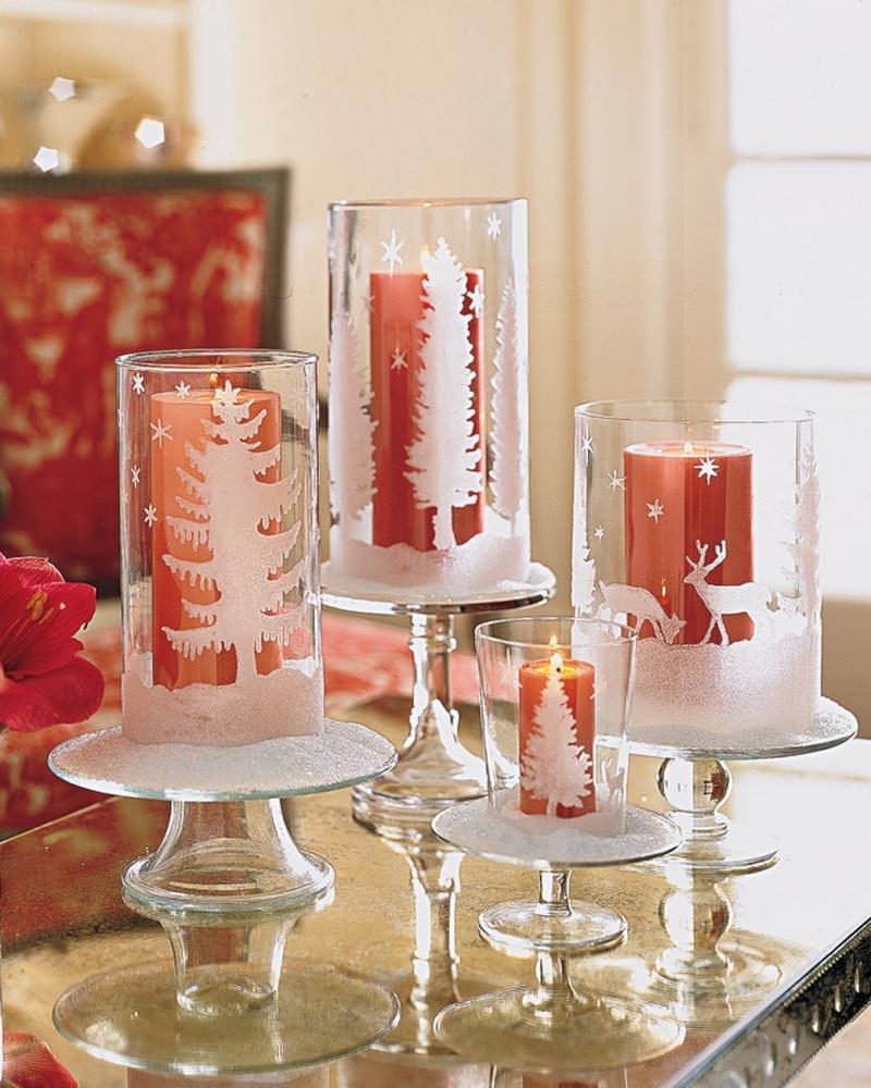 Centrotavola Natalizio con candele rosse di Martha Stewart