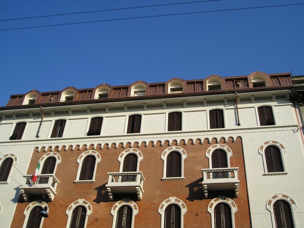 Il rame è ideale per aggiunte ed estensioni di edifici già esistenti: qui ricopre una sottotetto ampliato a Milano