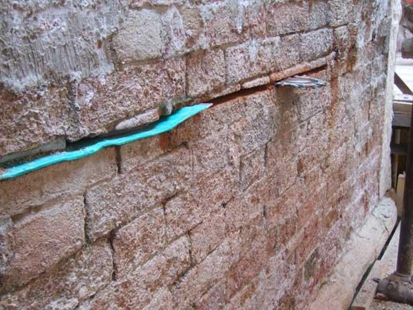 Lavori di risanamento contro l'umidità di risalita dell'azienda STEVANATO