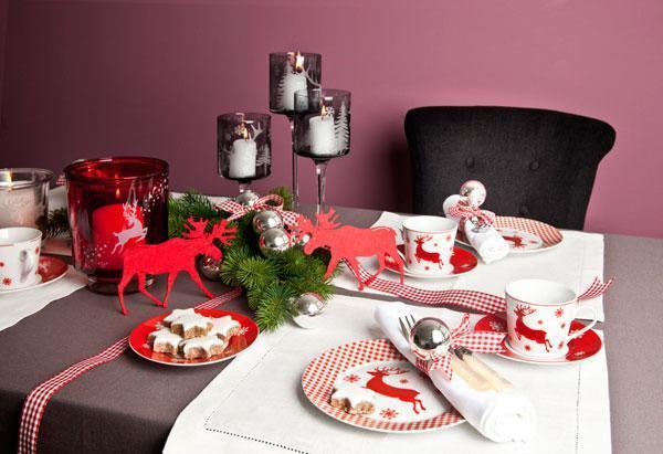 Tavola natalizia per colazione di DALANI