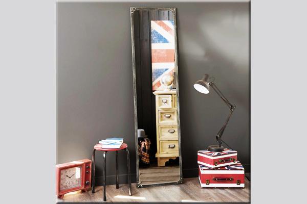 Specchio da terra dell'azienda Maisons du Monde