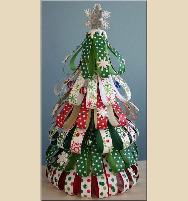 Albero di Natale realizzato con fasce di carta, by cartaecarta.blogspot.it