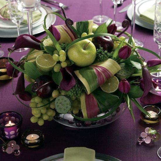 Centrotavola con foglie e uva per capodanno di Weddingomania.com