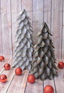 Mini albero di Natale con cucchiai in plastica di oneprojectcloser.com