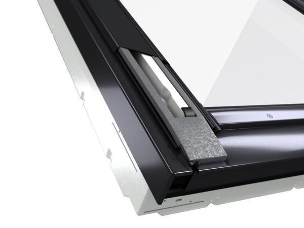 Foto finestre per tetti for Prezzi lucernari elettrici