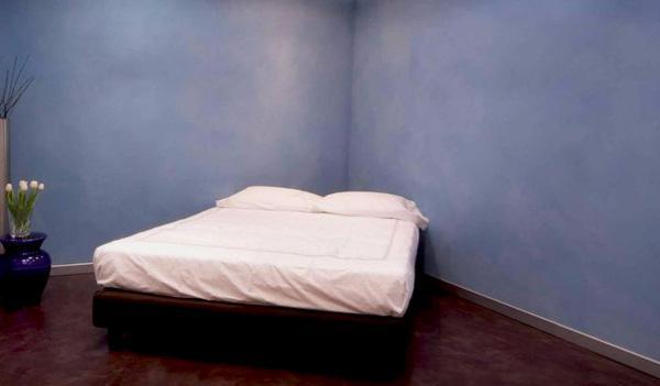 Resina come rivestimento in camera da letto di GRUPPO GANI S.R.L.