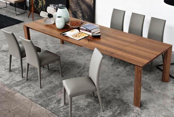 Tavolo allungabile in legno, modello Omnia XL di Calligaris