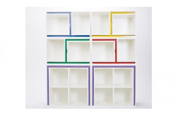 Libreria componibile multifunzione As If From Nowhere di Orla Reynolds: posizione chiusa.