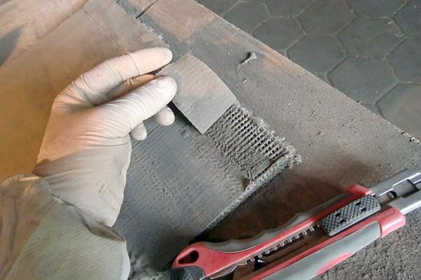 Fabbricazione dello sgabello in calcestruzzo cucito di Florian Schmid