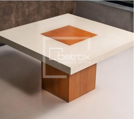 Tavolo in cemento e legno by Betrox di Edfan