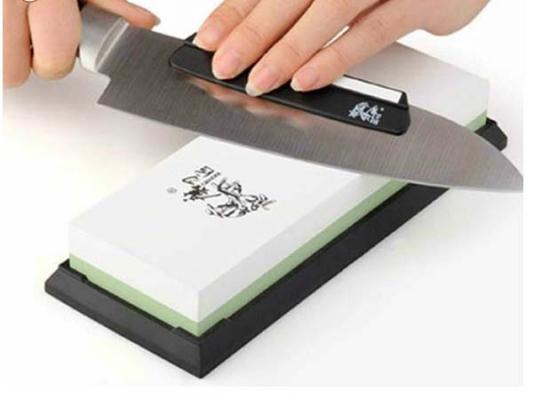 Affilatura manuale dei coltelli