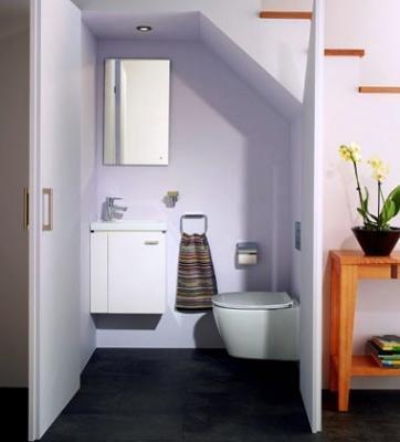 Bagno zona sottoscala, arredato Connect Space Ideal Standard