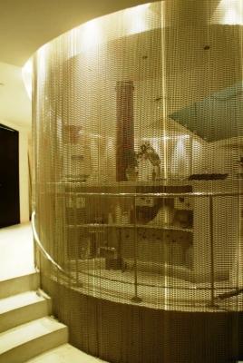 Zona office separata con tenda a fili Silvia Interiors Chain