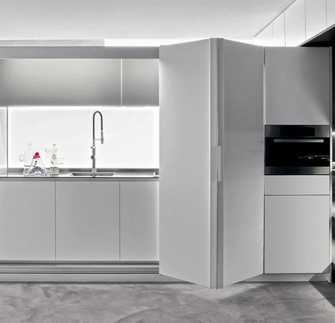 Open space / cucina a scomparsa di Dada