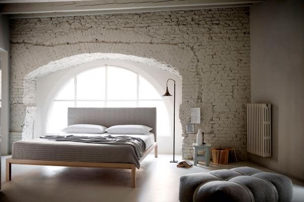 Zona notte su soppalco, realizzabile con letto Carnaby by Redaelli