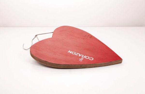 San Valentino regali: Tagliere in legno The Corazon di KnIndustrie