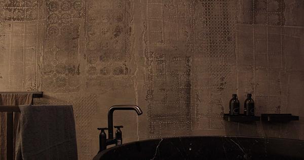 Rivestimenti in argilla cruda erraEvoca di Matteo Brioni.