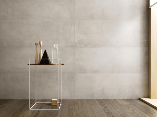 Collezione TerraCruda di Ragno: piastrelle ceramiche dalla superficie simile a un intonaco di argilla.