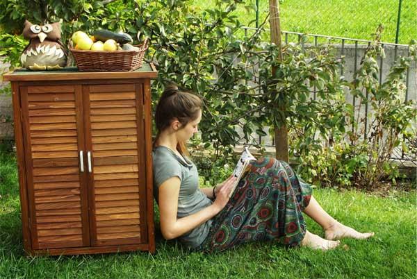 Armadio da esterno in legno venduto da ONLYWOOD