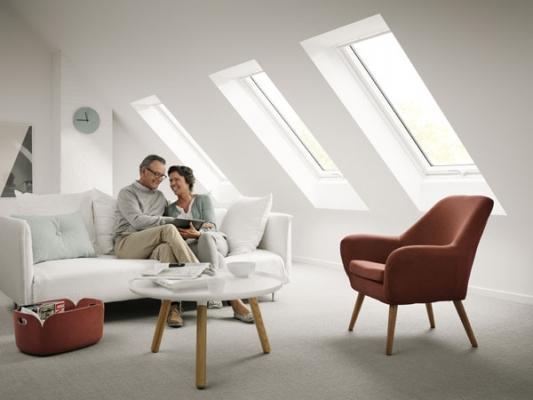 La finestra per tetti Velux illumina gli ambienti mansardati