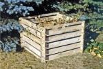 Compostaggio domestico, compostiera in legno da giardino su Amazon