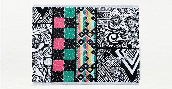 Accessori da bagno tessili, coloratissimo tappetino da bagno rettangolare di Desigual