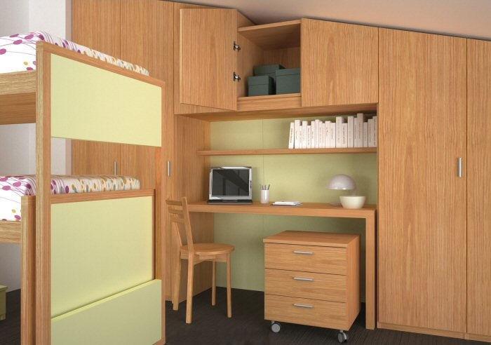 Camera tripla mansardata con mobili Young di Diotti A&F: gli armadi