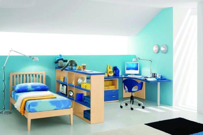 Camera singola in delicati toni di azzurro, di Max Camerette