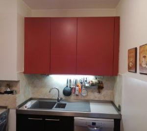 Cucine colorate come crearle - Riverniciare ante cucina ...