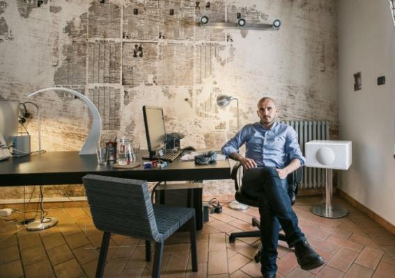 Mobili per mansarde: Home office con tavolo Air di Lago