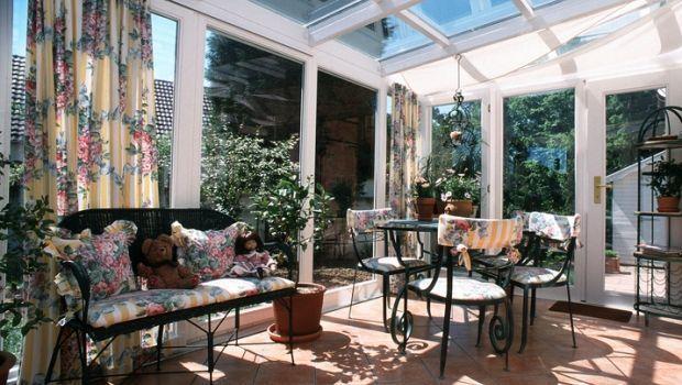 Serre bioclimatiche per sfruttare al massimo il potenziale degli spazi esterni di una casa